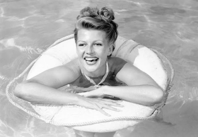 3 documentários sobre rita hayworth para ver no youtube blonde venus