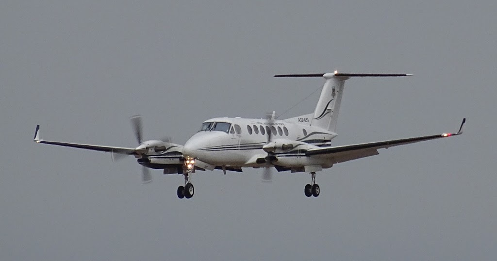 Central Queensland Plane Spotting: A Couple of King Airs
