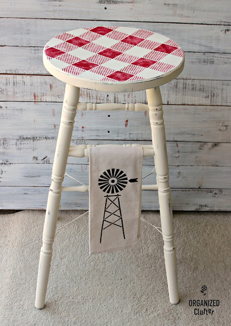 Yard Sale Wooden Stool Farmhouse Style Upcycle #buffalochecks #oldsignstencils #stencil #upcycle