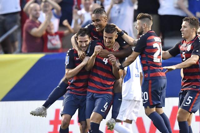 Estados Unidos festeja su victoria de 3-0 sobre Nicaragua en la Copa de Oro 2017