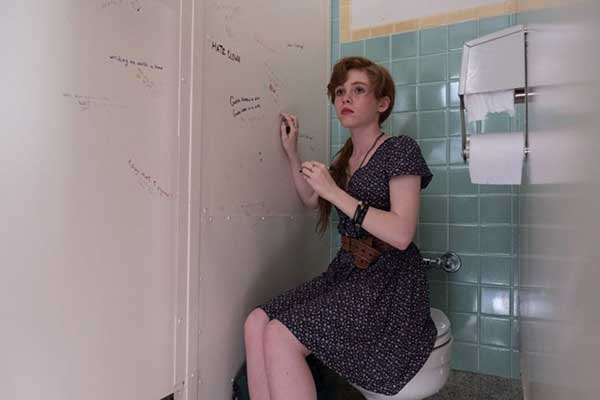 Sophia Lillis en una secuencia de IT