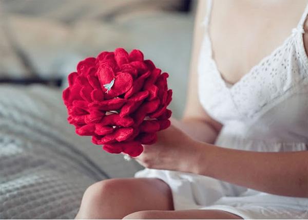 buque de noiva com coração