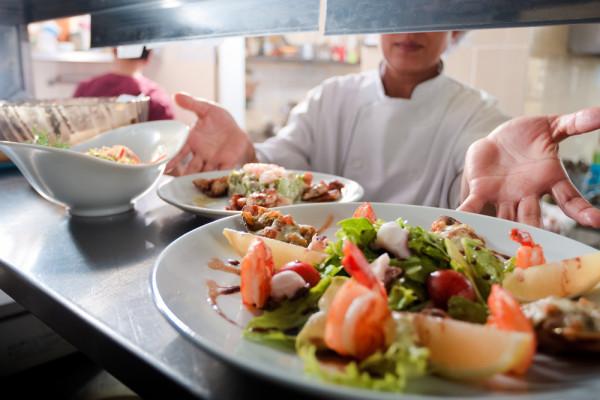 6 Tips Sukses Membuat Restoran/Restaurant Lebih Kuat dari Pesaing Anda