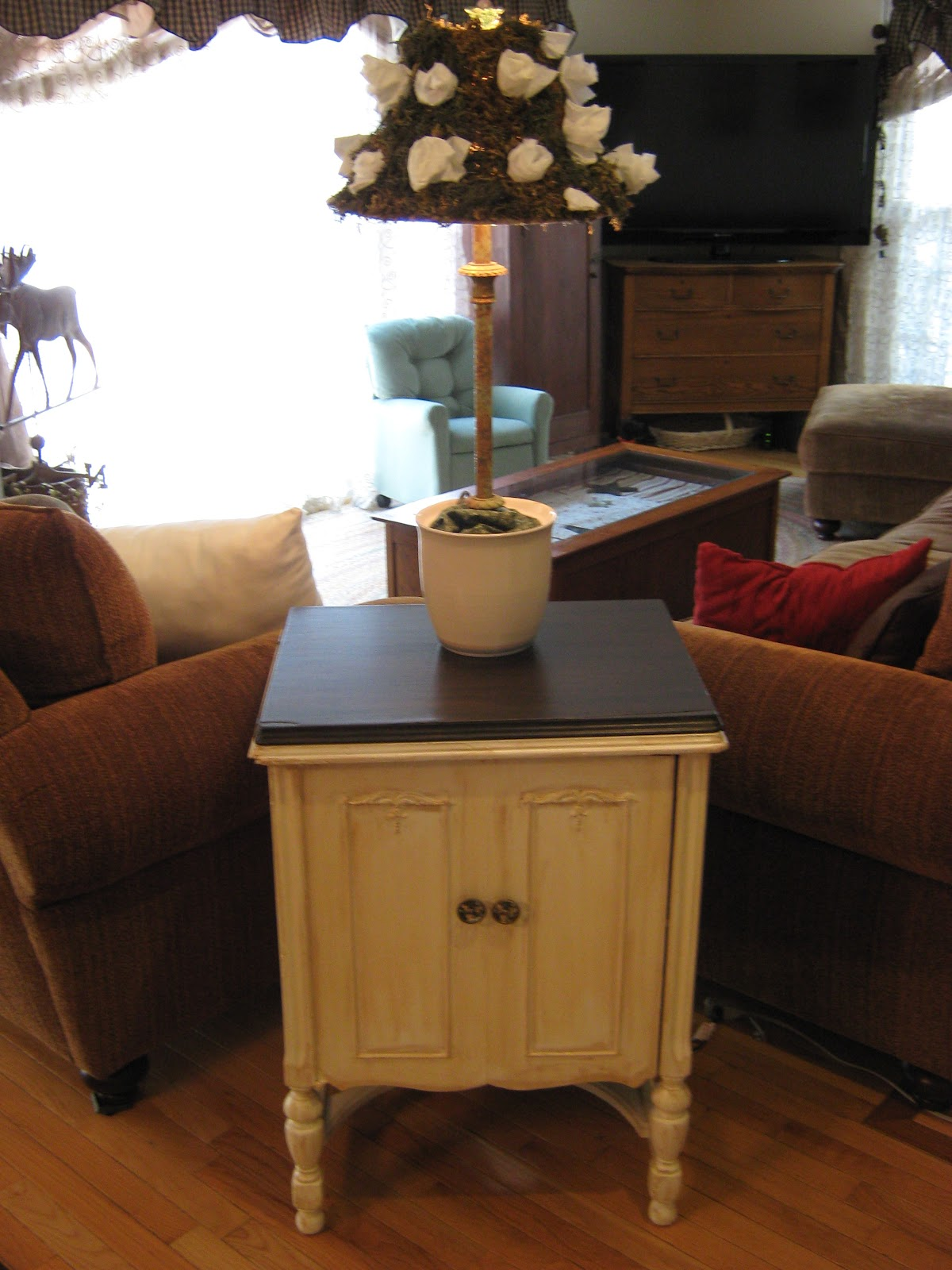 Country French Sofas Living Room Furniture: Fake-It Frugal: Fake French Country Furniture, The Side