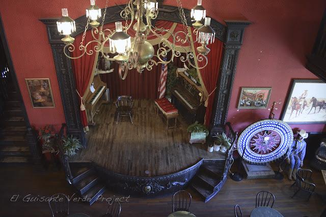 1880 Town - Dakota del Sur, interior del Saloon