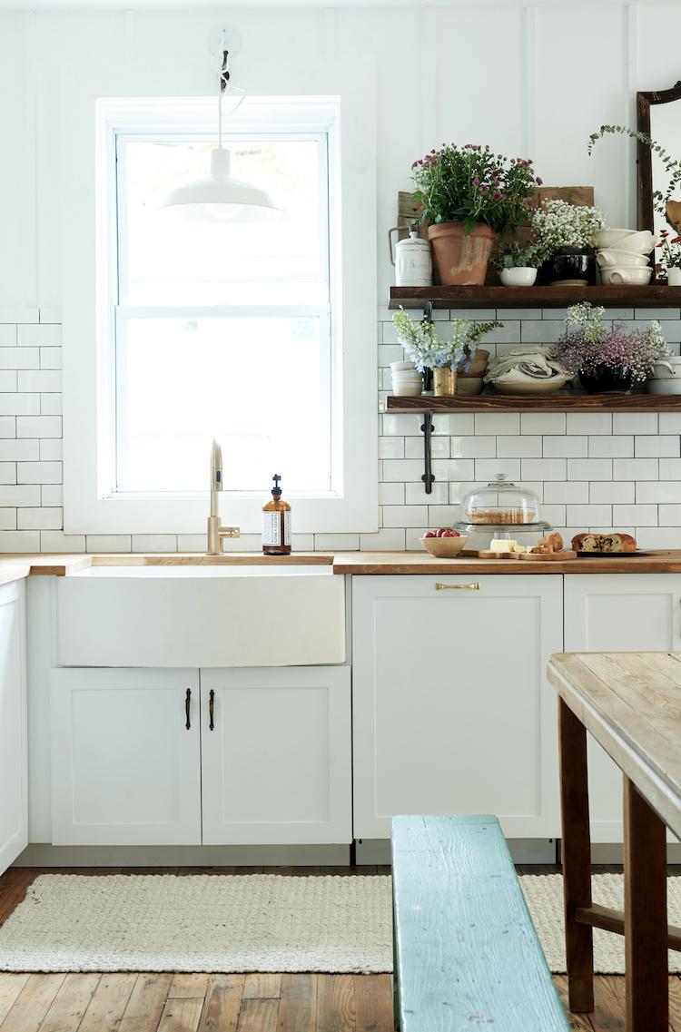 A Dated Home Becomes a Fresh, Modern Farmhouse | my scandinavian ...