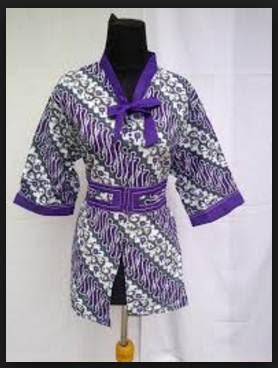Desain model baju batik pesta wanita muslim modern