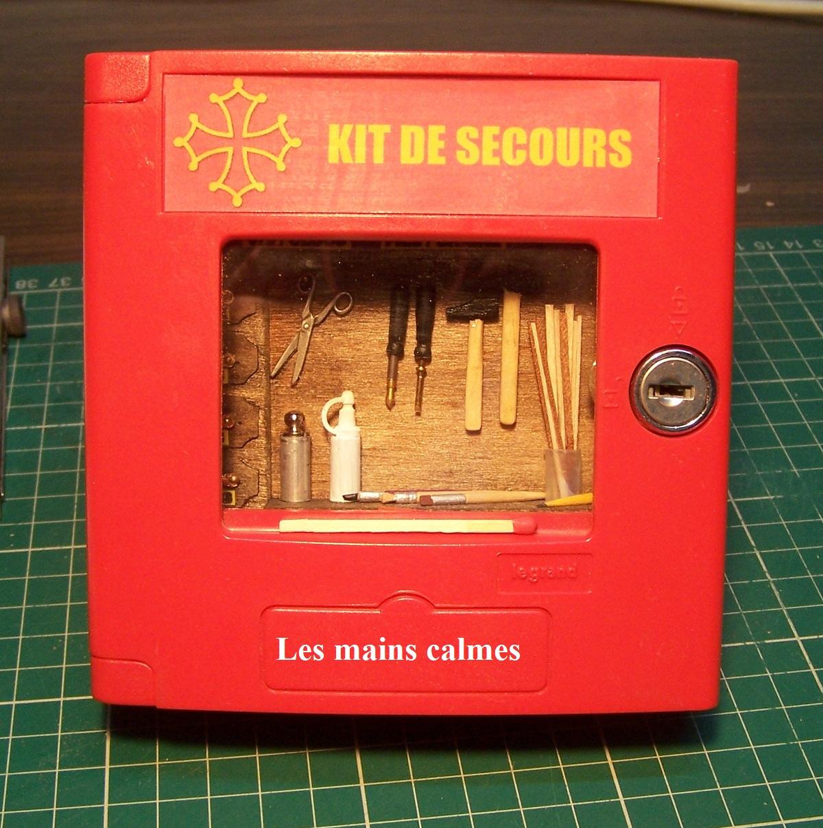les mains calmes kit de secours pour miniaturistes. Black Bedroom Furniture Sets. Home Design Ideas