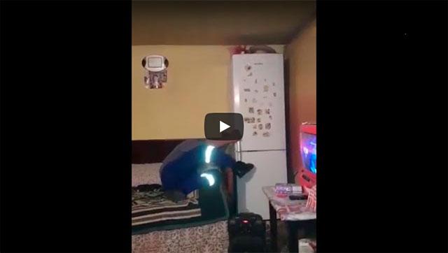 https://www.ahnegao.com.br/2018/12/o-que-acontece-se-voce-colocar-uma-bombinha-na-sua-geladeira.html