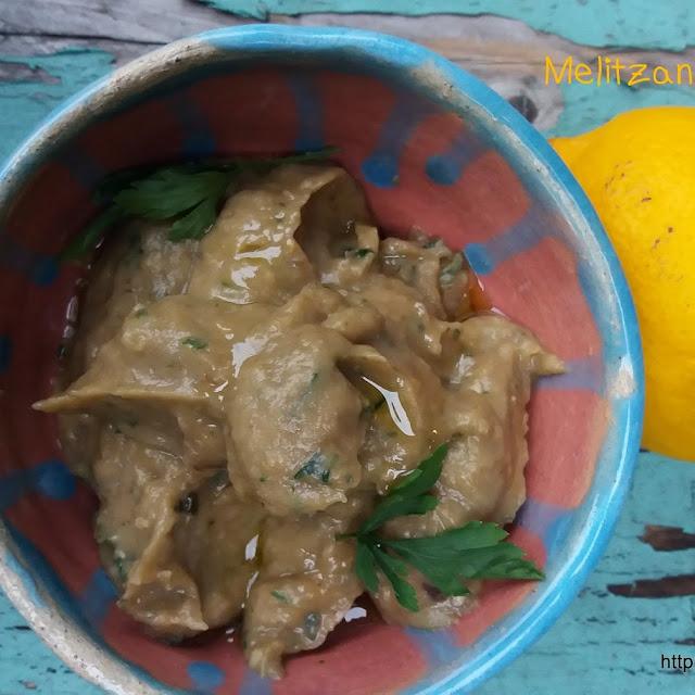 Melitzanosalata czyli grecka pasta z pieczonego bakłazana