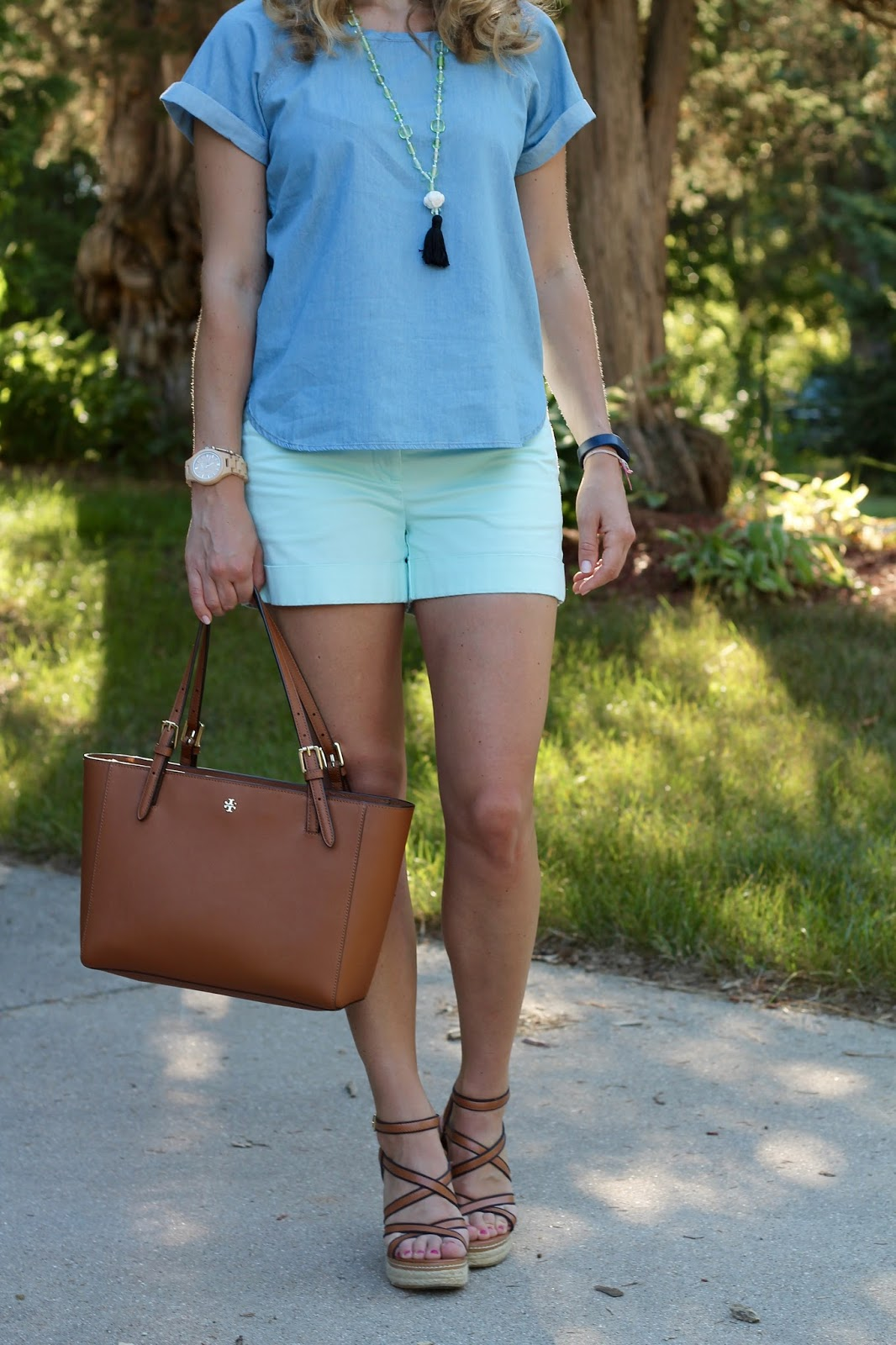 short sleeve chambray top, mint shorts, wedge sandals, Tory Burch tote, tassel necklace, mint shorts outfit,