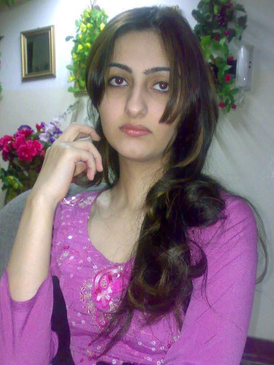 Firdous Naz Beautiful Desi Lahore Girl
