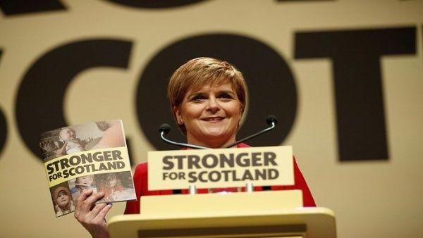 Ministra principal de Escocia pide segundo referendo del brexit