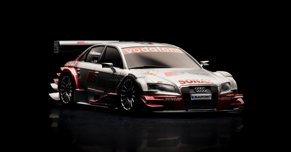 1149aw_Audi-R8_15 Audi Rx8