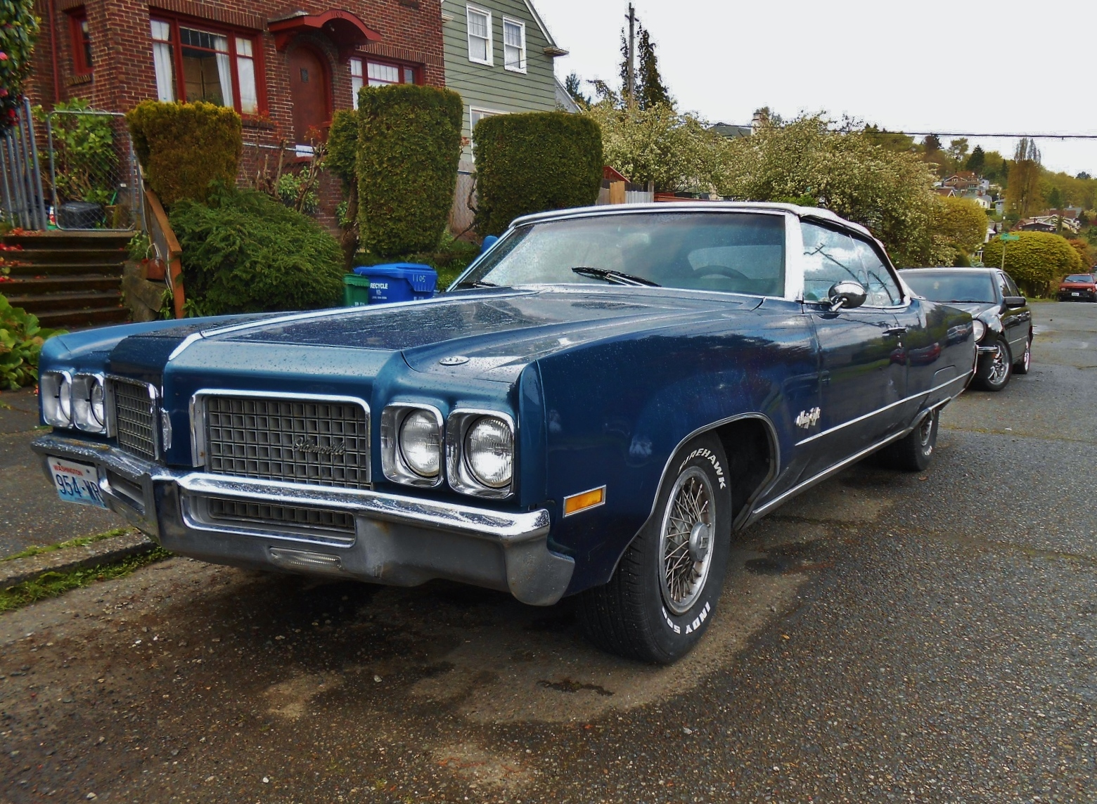 Oldsmobile Cars: Seattle's Parked Cars: 1970 Oldsmobile 98 Convertible