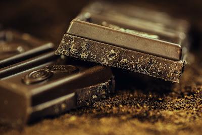 चॉकलेट का बिज़नेस घर बैठे कैसे शुरू करे | start chocolate business in home  दोस्तों आज हम बात करने वाले है, कलेट के  बिज़नेस के बारे में यहाँ आपको हम आपको सब बताएगे की आप चॉचॉकलेट कैसे बना सकते है ? चॉकलेट बनाने के लिए आपको किस  किस  सामग्री की आवश्यकता पड़ेगी, कितना फायदा होगा और भी बहुत कुछ ।