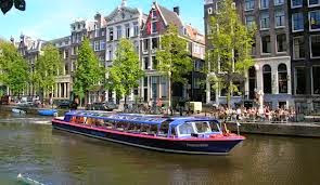 Canal-canal Amsterdam - Tour Eropa