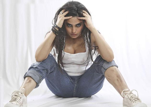 vangaveeti telugu movie Actress Naina Ganguly Hot Photos