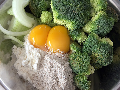 bolinho assado brócolis