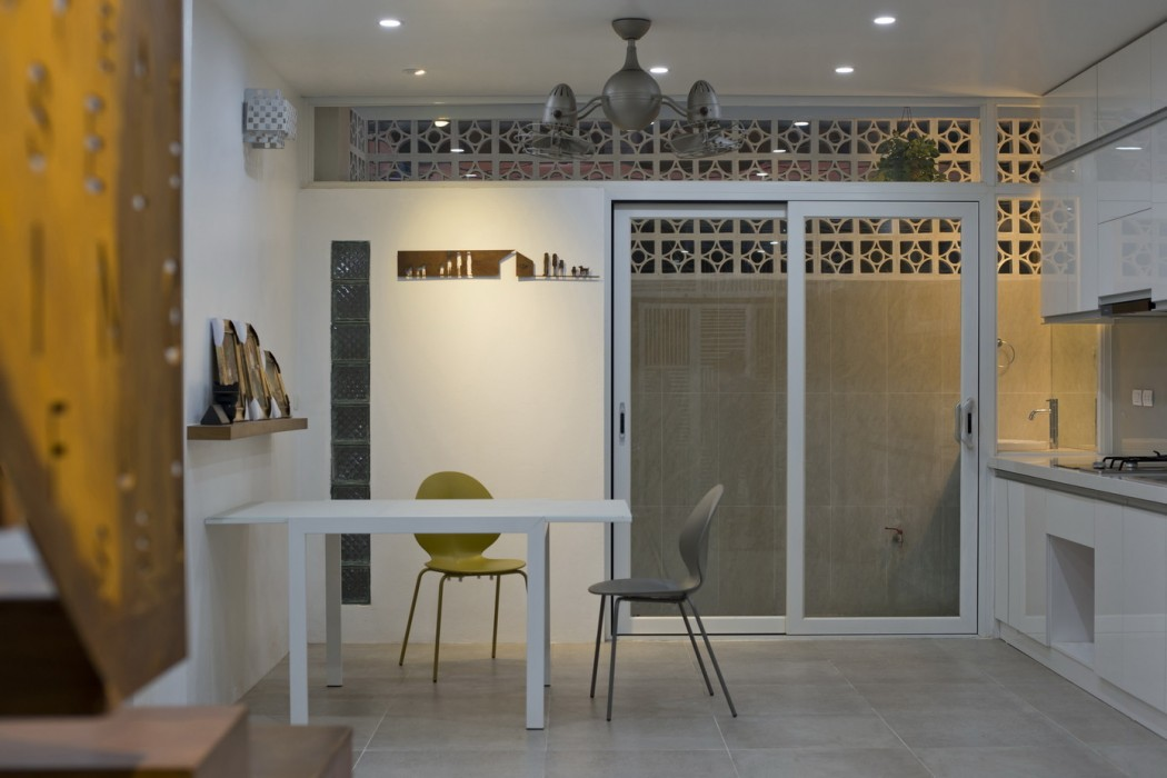 Home Small and Harrow alley in Hanoi, Vietnam - Architecture Modern ...