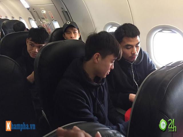 Trực tiếp U23 Việt Nam về nước ngày 28/1: Ảnh mới nhất trên chuyên cơ bay về Nội Bài 5