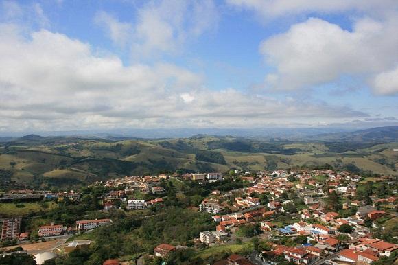 ÁGUAS DE LINDÓIA - CIDADE TURÍSTICA DO ESTADO DE SÃO PAULO