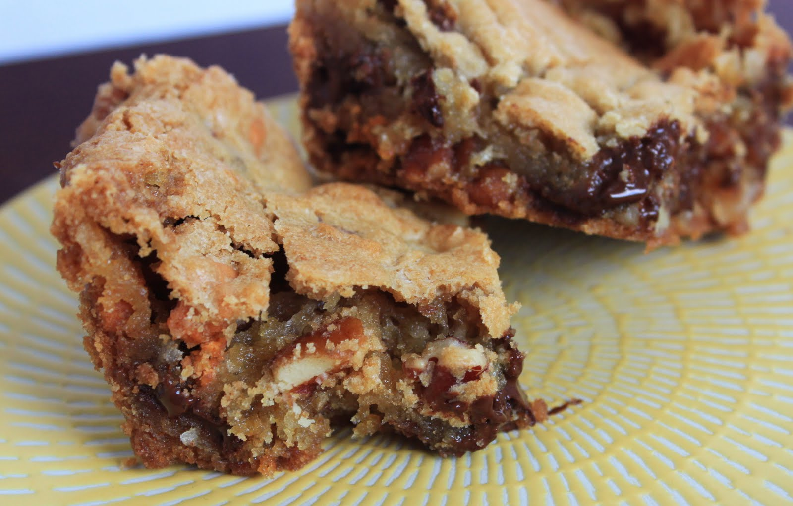 Macadamia Nut Blondies: delicious chewy blondies with a ...  |Chewy Blondie Recipe
