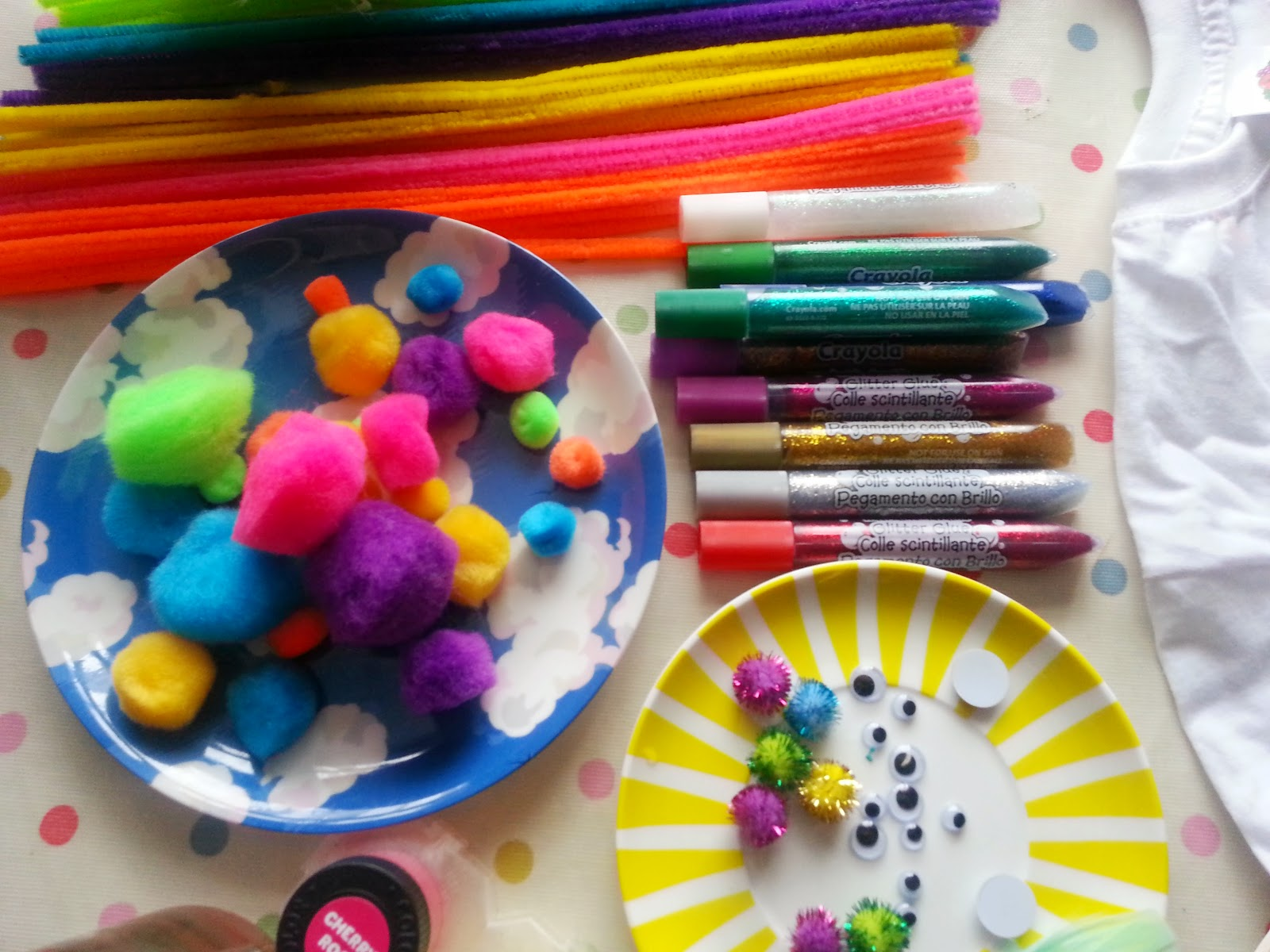, Rainy Day Craft:  Decorate a T -Shirt