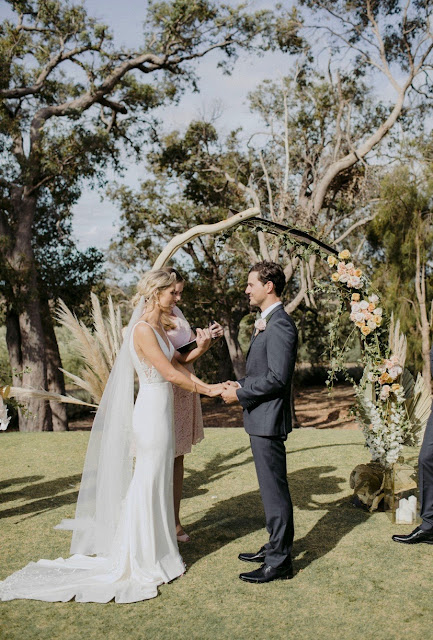 Natasja Kremers Photographer photography wedding floral arrangements bouquets installartion dunsborough western australia