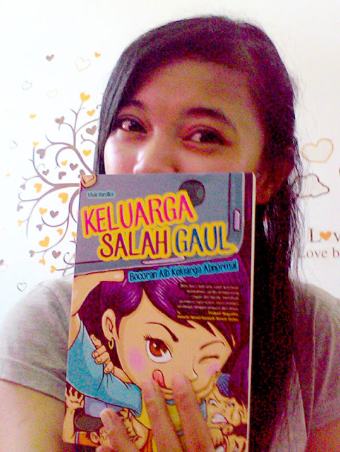 Selfie with Keluarga Salah Gaul by Vivie Hardika