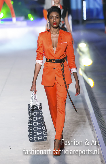 Dimitris Petrou - women's wear - Madwalk 2018 - orange suit