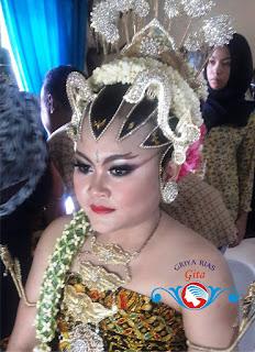dandanan pengantin resepsi Jogya