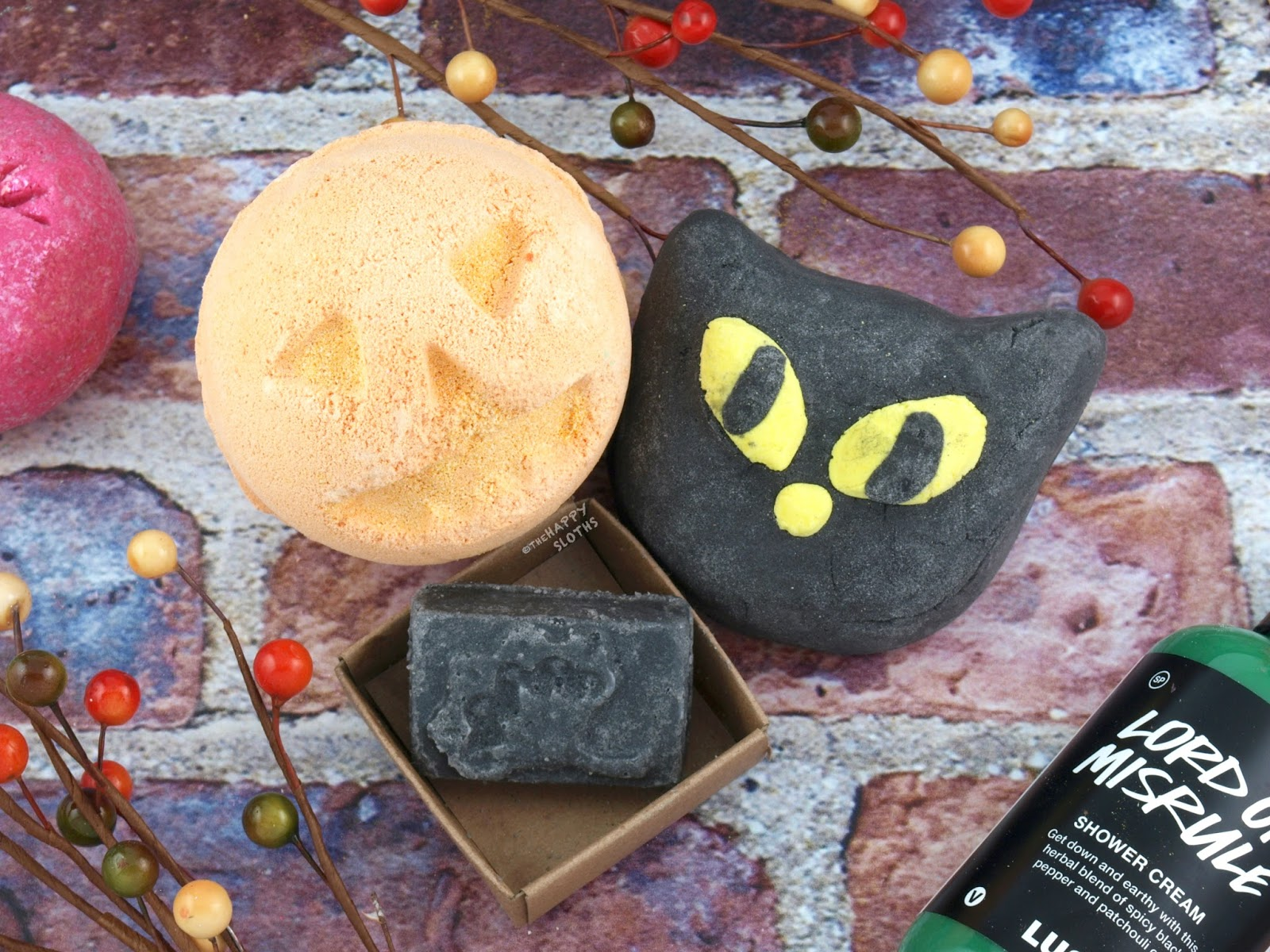 Lush Halloween 2017 Gift Guide: Pumpkin Bath Bomb, Bewitched Bubble Bar & Black Rose Naked Lip Scrub