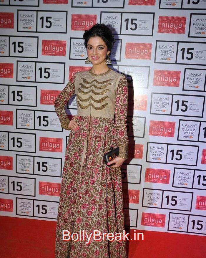 Divya Khosla Kumar, Lakme Fashion Week 2015 - Deepika, Kajol, Sridevi at Sabyasachi Fashion Show