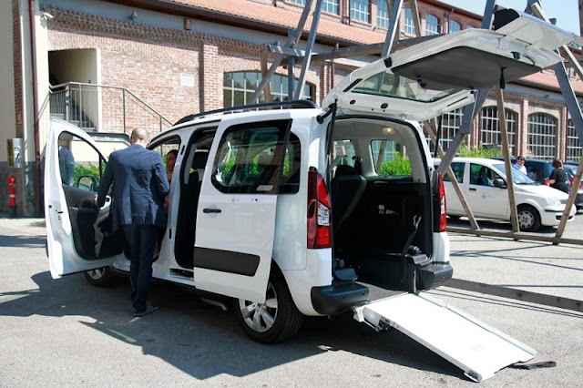 Van preparada para transportar deficientes físicos