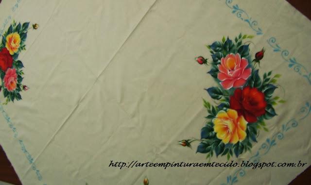 Pintura em tecido toalha de mesa com rosas