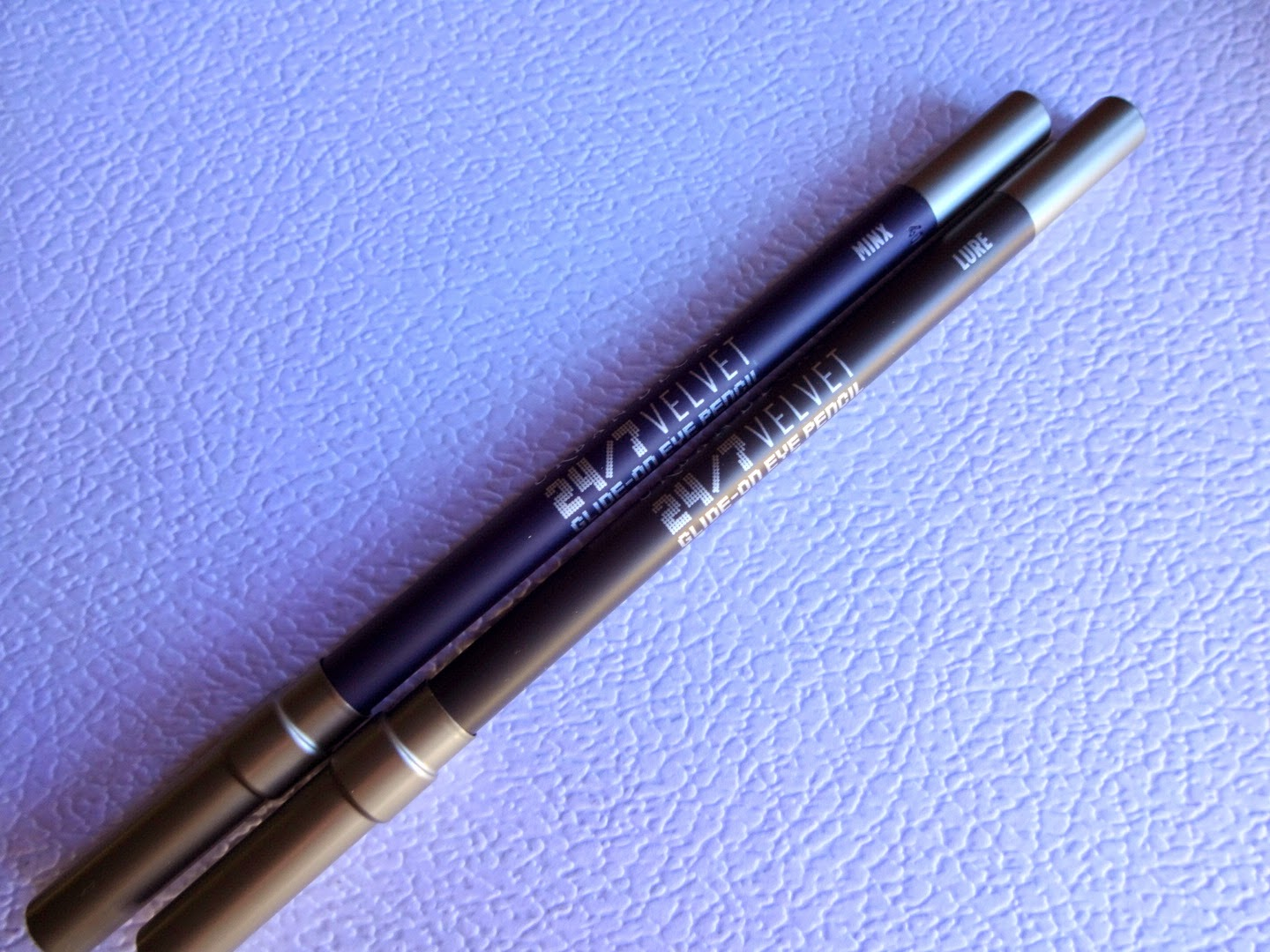 urban decay 24/7 velvet eye pencil, prodotti preferiti make up, matita occhi nera, matita occhi velluto
