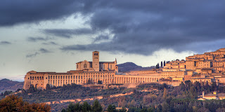 This panorama of Assisi shows how the Basilica di San Francesco is built on two levels