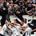 Corinthians vence Palmeiras e coloca a mão no título brasileiro
