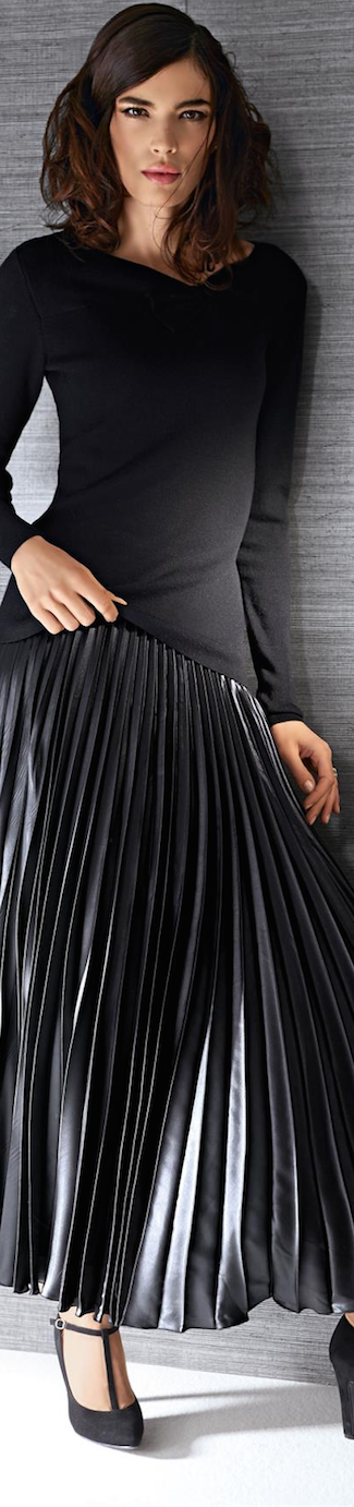 MADELEINE PLEATED SKIRT AND SWEATER