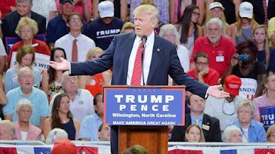 El candidato presidencial por el partido republicano, Donald Trump, durante un acto de campaña en Trask Coliseum, Wilmington Carolina del Norte, 9 de agosto 2016.