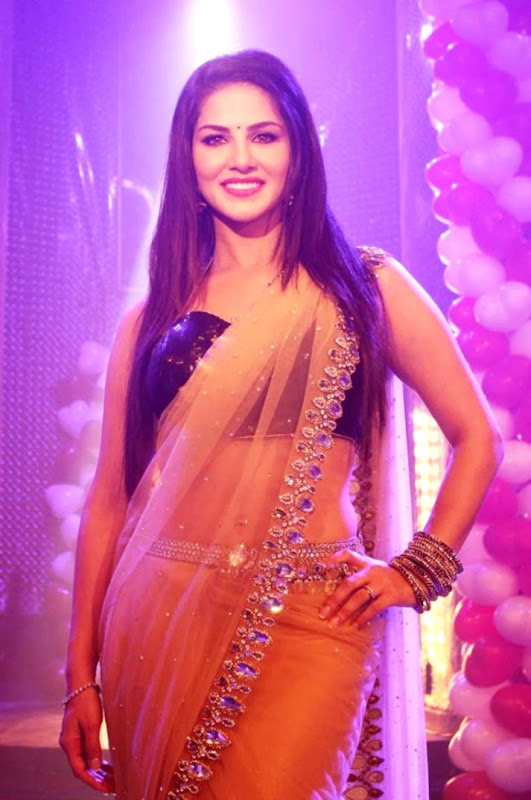 Sunny Leone Saree Stills Look Wallpapers