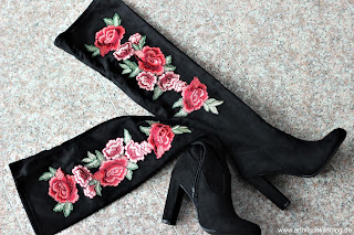 Fashion: 3 MUST HAVE Stiefel für diesen Herbst! - Tibbie Heeled Boot - mit Rosen Applikation- www.annitschklasblog.de
