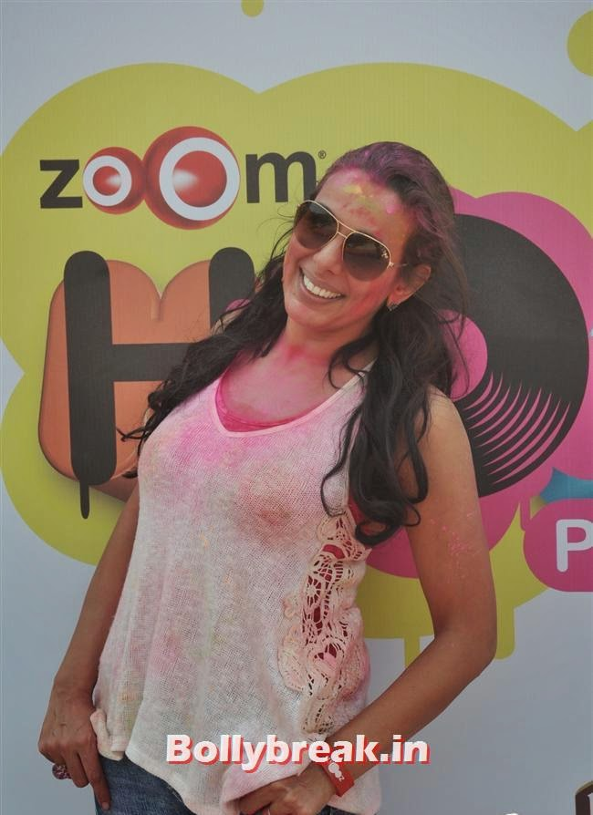 Pooja Bedi, Sunny, Tanisha, Poonam & Kainaat at Zoom Holi Party 2014