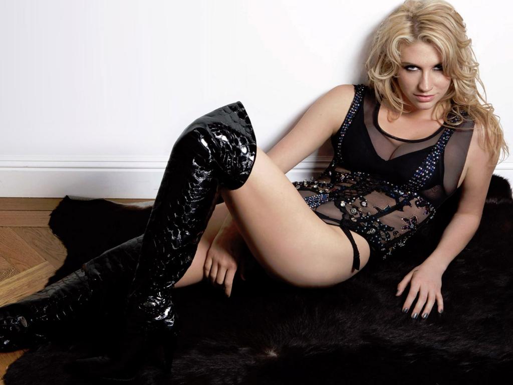 Kesha Hot Shakira Waka Waka