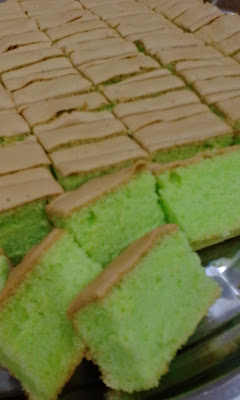 kek span pandan simple