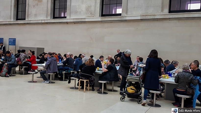 Praça de alimentação do Museu Britânico