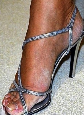 Liz Hurley Feet, Celebrity Feet, Look after your feet in the holiday season, Corns