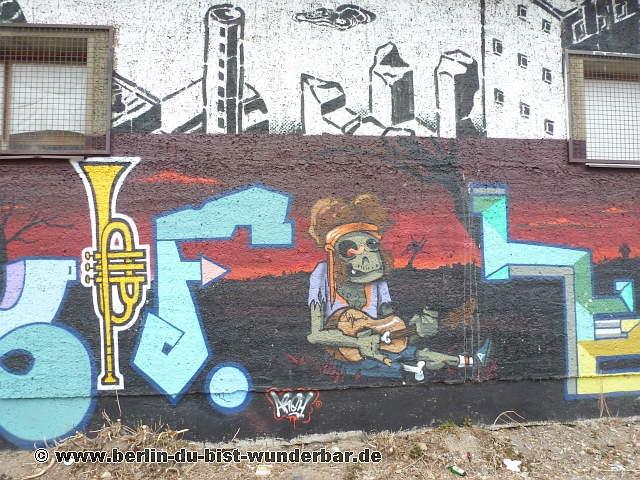 street art in berlin 44 berlin du bist wunderbar unbekannte orte street art urbex. Black Bedroom Furniture Sets. Home Design Ideas
