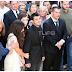 «Λύγισε» ο Πύρρος Δήμας στην κηδεία της συζύγου του! Συντετριμμένος στάθηκε πλάι στα παιδιά του - ΕΙΚΟΝΕΣ